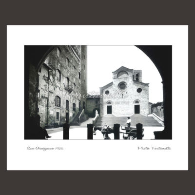historic picture san gimignano tuscany black and white 55