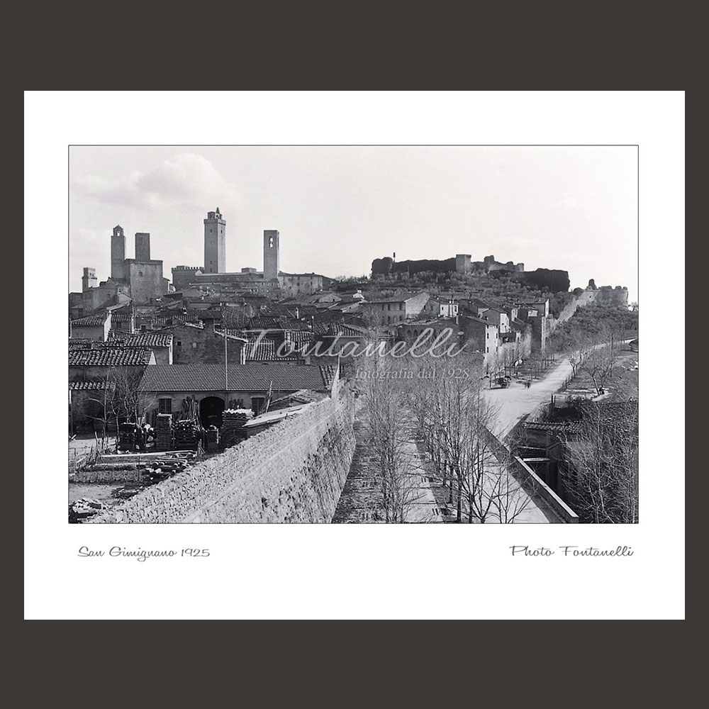 historic picture san gimignano tuscany black and white 53
