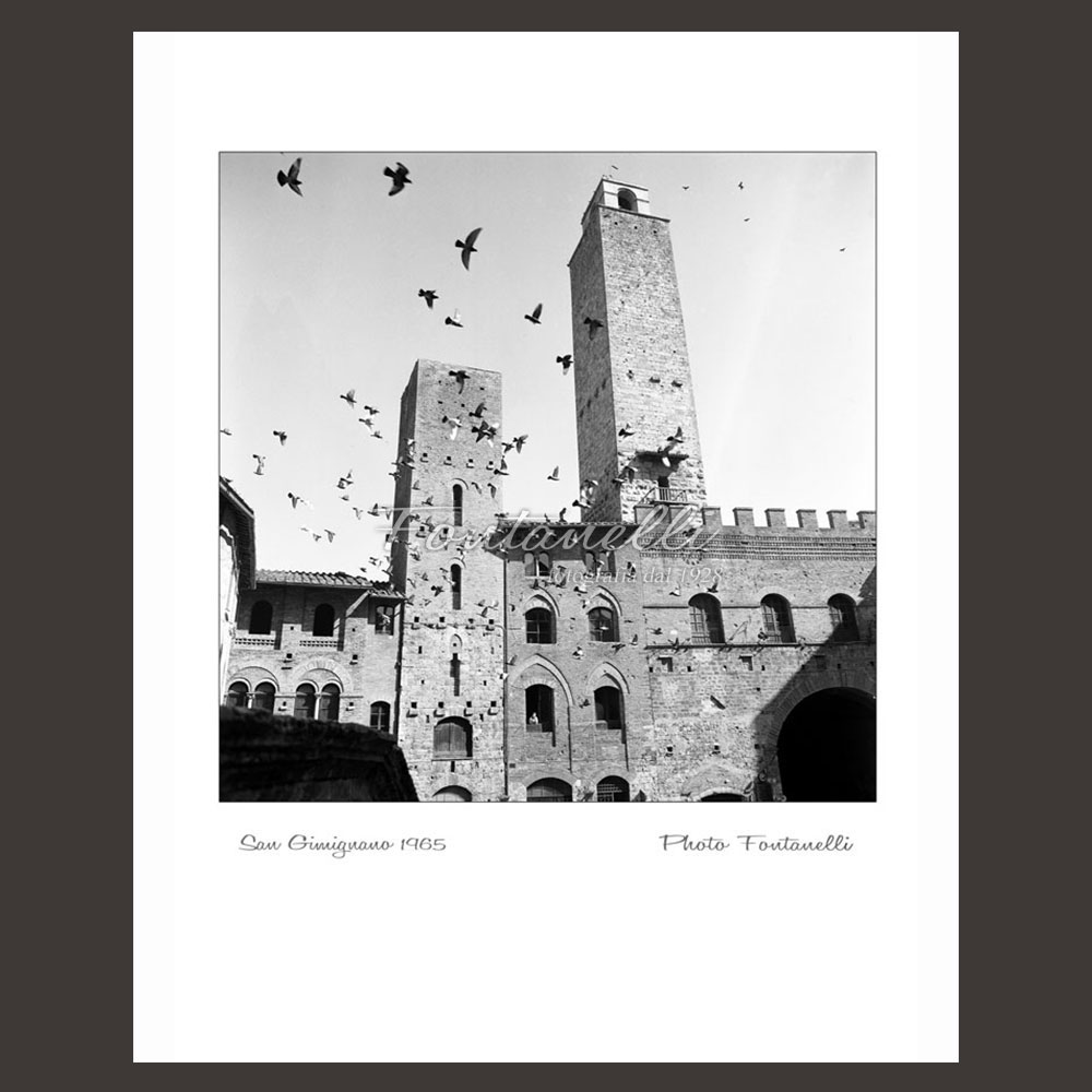 historic picture san gimignano tuscany black and white 35