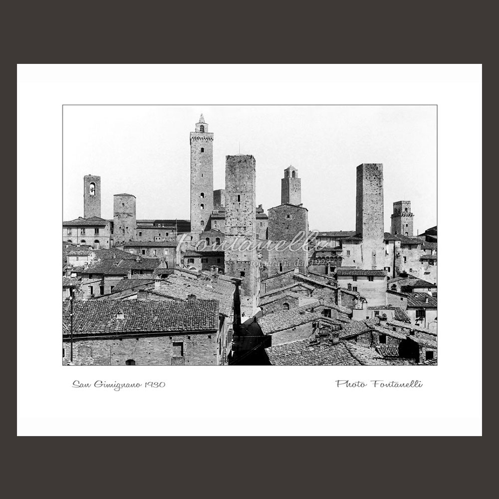 historic picture san gimignano tuscany black and white 31