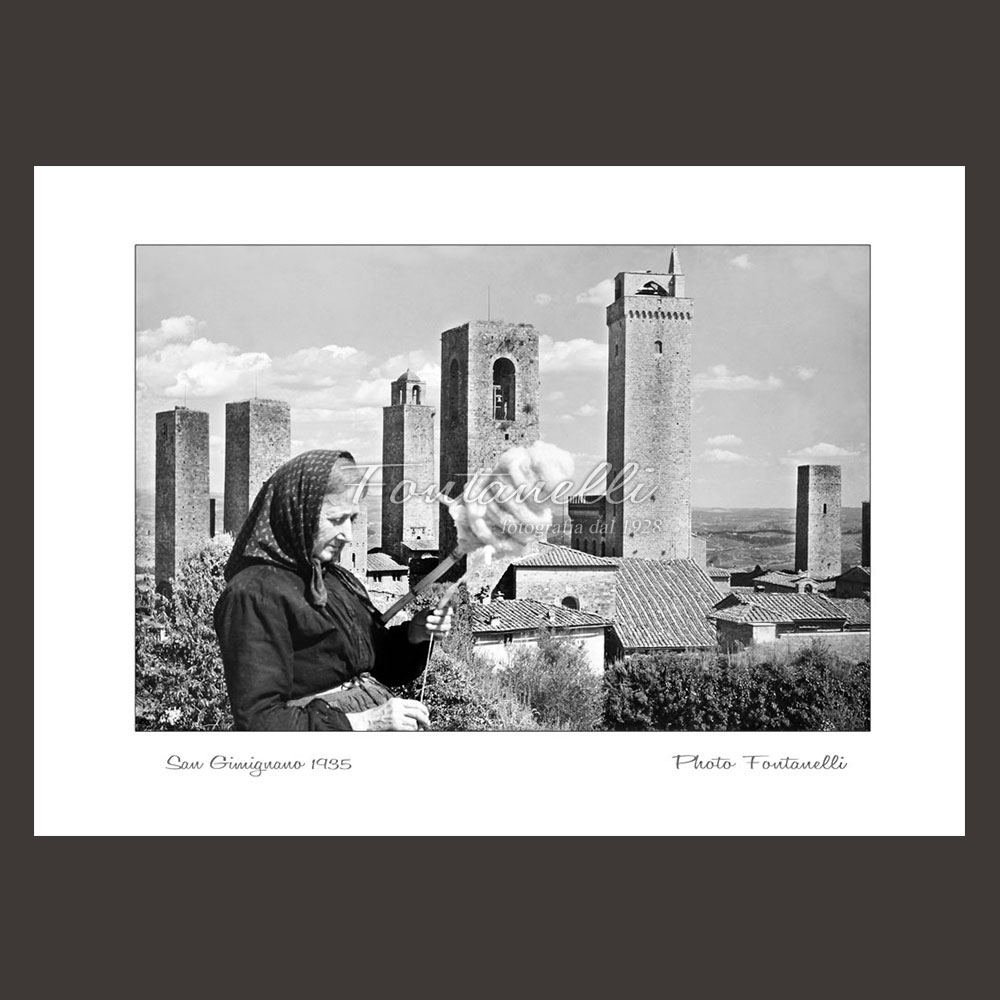 historic picture san gimignano tuscany black and white 25