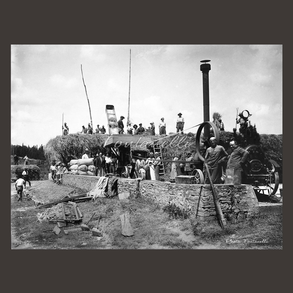 historic picture san gimignano tuscany black and white 63
