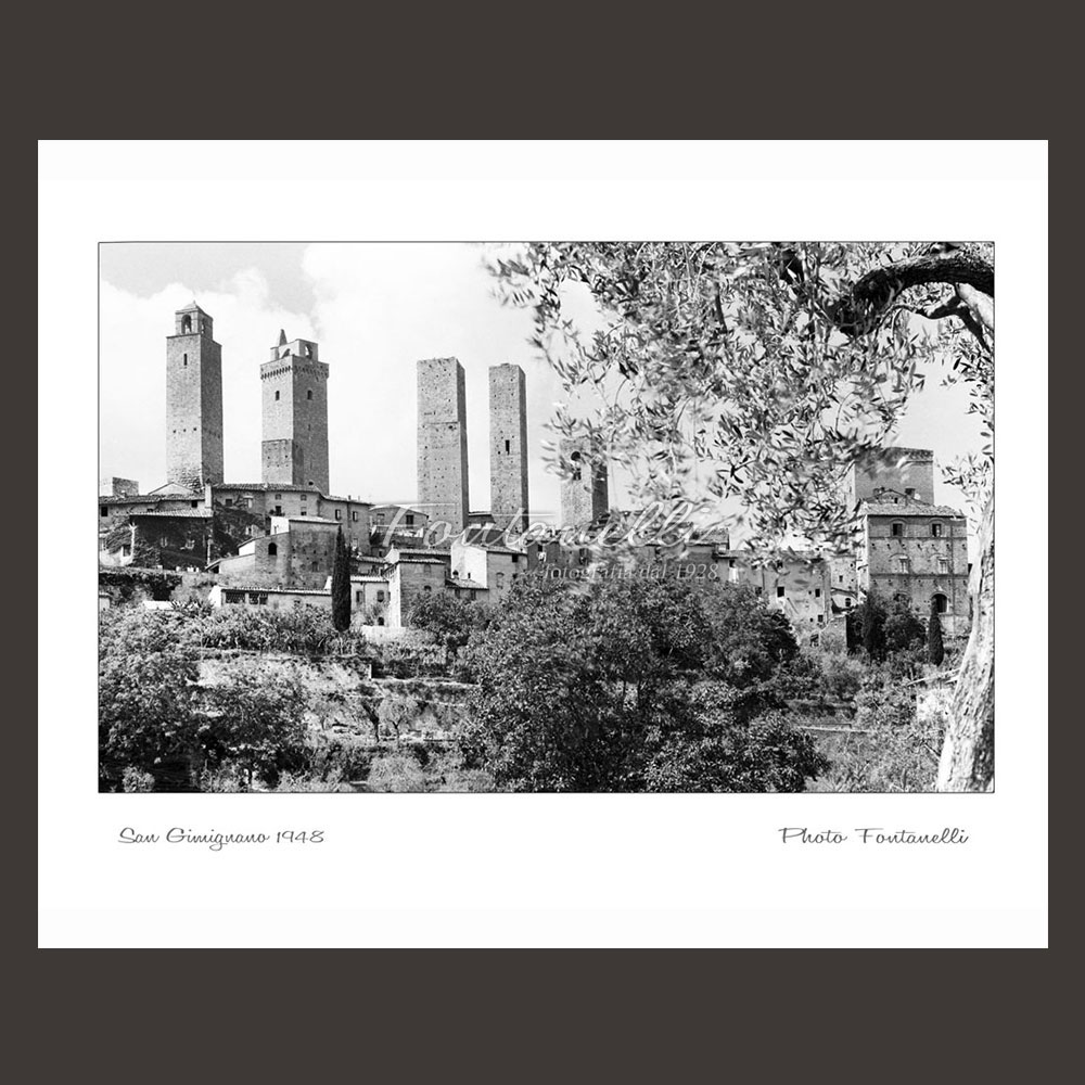 historic picture san gimignano tuscany black and white 18