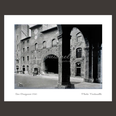 historic picture san gimignano tuscany black and white 62