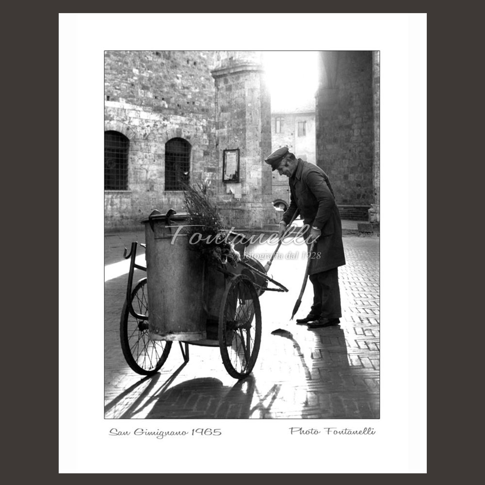 historic picture san gimignano tuscany man at work 7