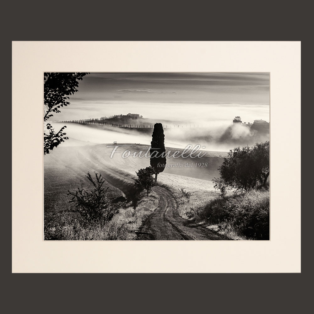 Foto bianco e nero della val d 39 orcia al mattino presto for Foto alta definizione bianco e nero