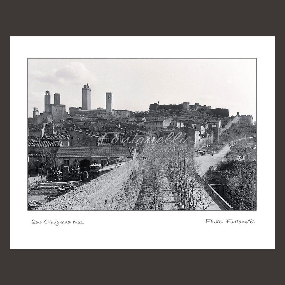 historic picture san gimignano tuscany black and white 53