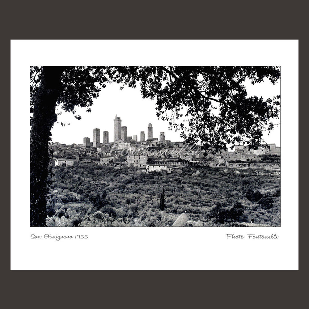 historic picture san gimignano tuscany black and white 52