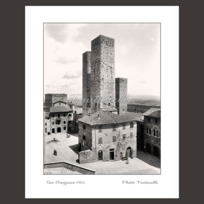 historic picture san gimignano tuscany black and white 40