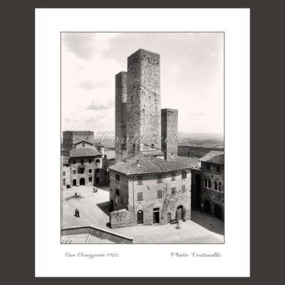historic picture san gimignano tuscany black and white 40