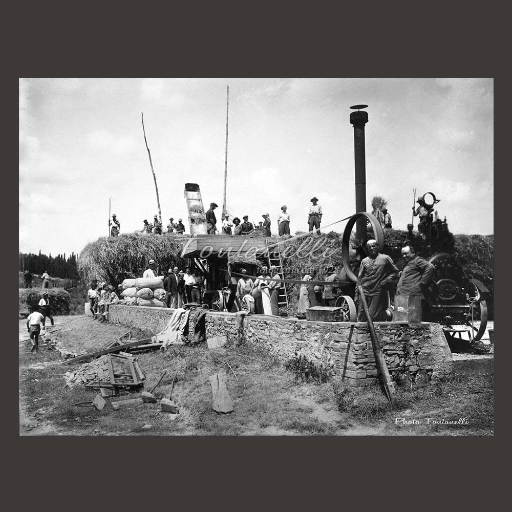 historic picture san gimignano tuscany black and white 63