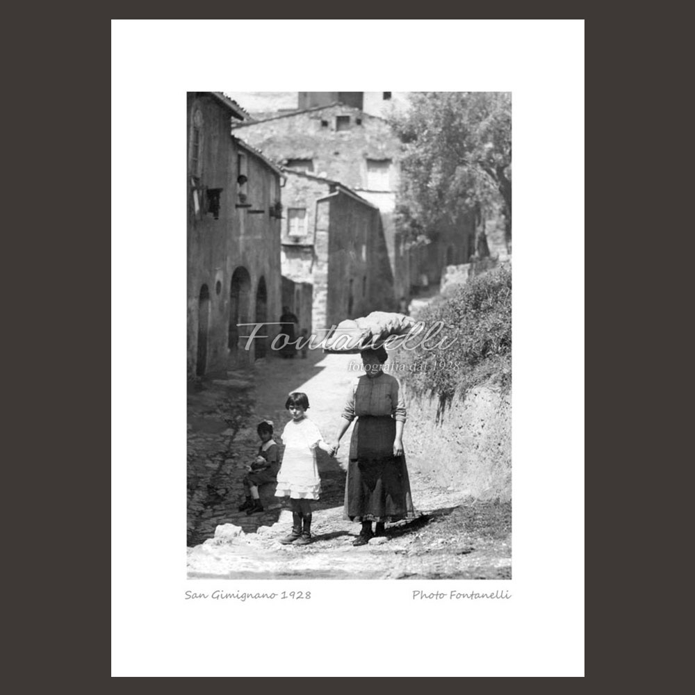 historic picture san gimignano tuscany family 11