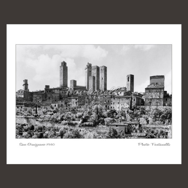 historic picture san gimignano tuscany black and white 61