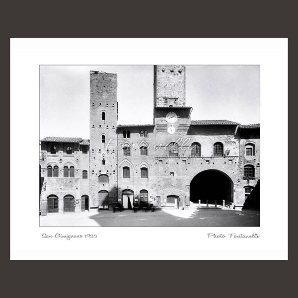 historic picture san gimignano tuscany black and white 58