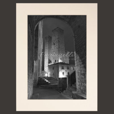 San Gimignano and Tuscany black and white picture for sale 4