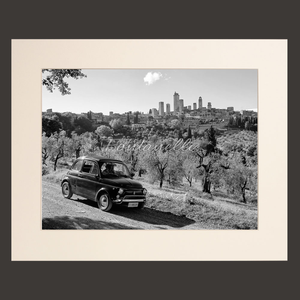 Pictures of San Gimignano with fiat 500