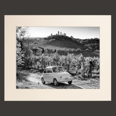 Among the vineyards of San Gimignano with the Fiat 500